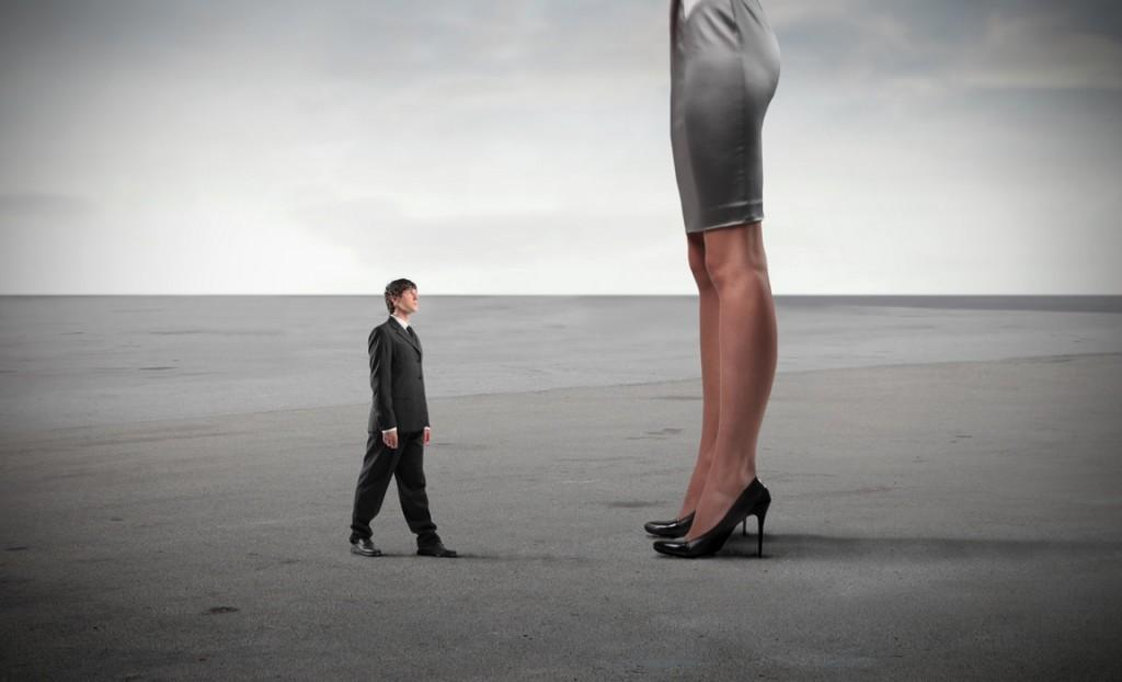 Mulheres têm ainda mais dificuldades em progredir na carreira