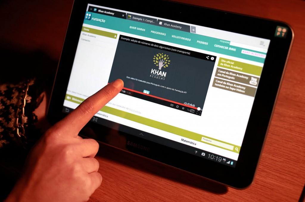 Fundação PT ultrapassa 1000 vídeos na Khan Academy