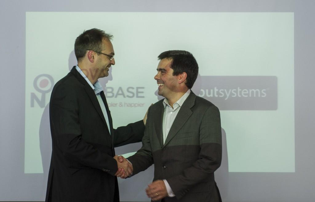 Novabase e OutSystems fecham parceria