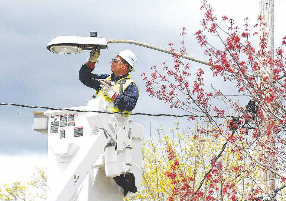 Reduzir a fatura energética da iluminação pública sem desligar as luzes