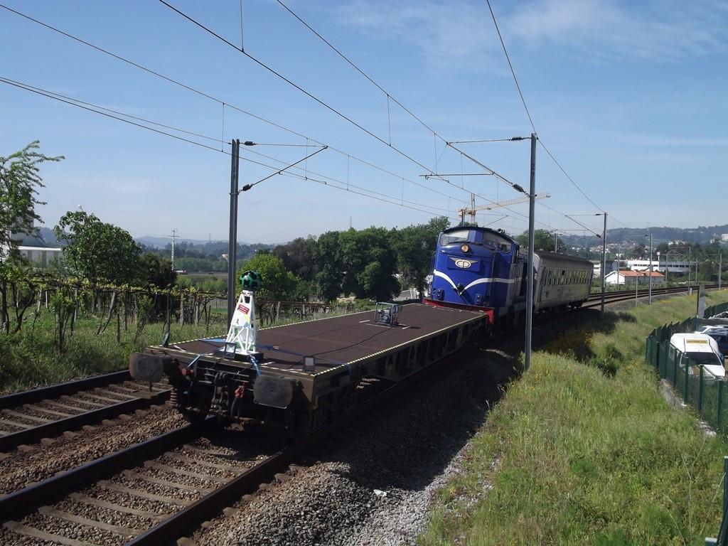 Linhas de comboio portuguesas online no Google