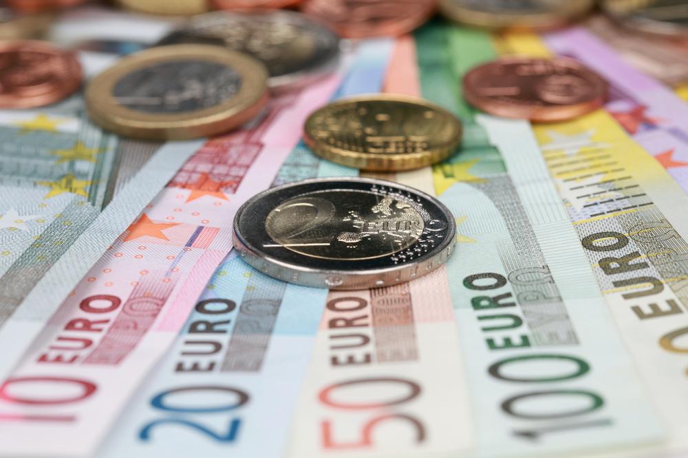 Qual o serviço mais usado pelos portugueses nos bancos?