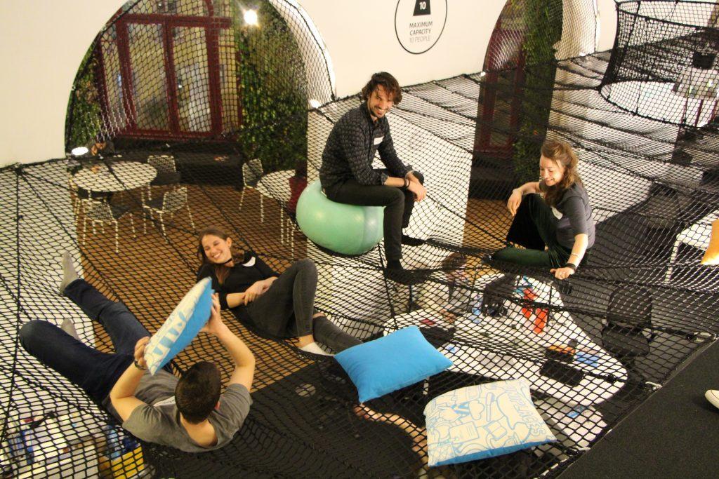 Estudantes portugueses preferem investir as suas poupanças em viagens